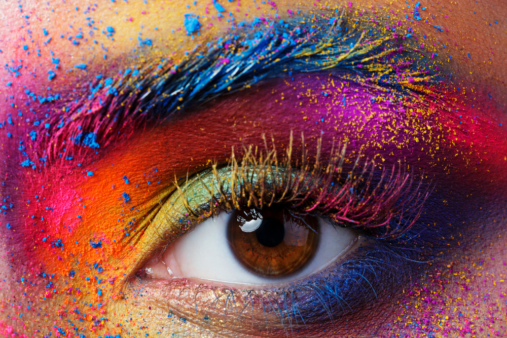 Close,Up,View,Of,Female,Eye,With,Bright,Multicolored,Fashion